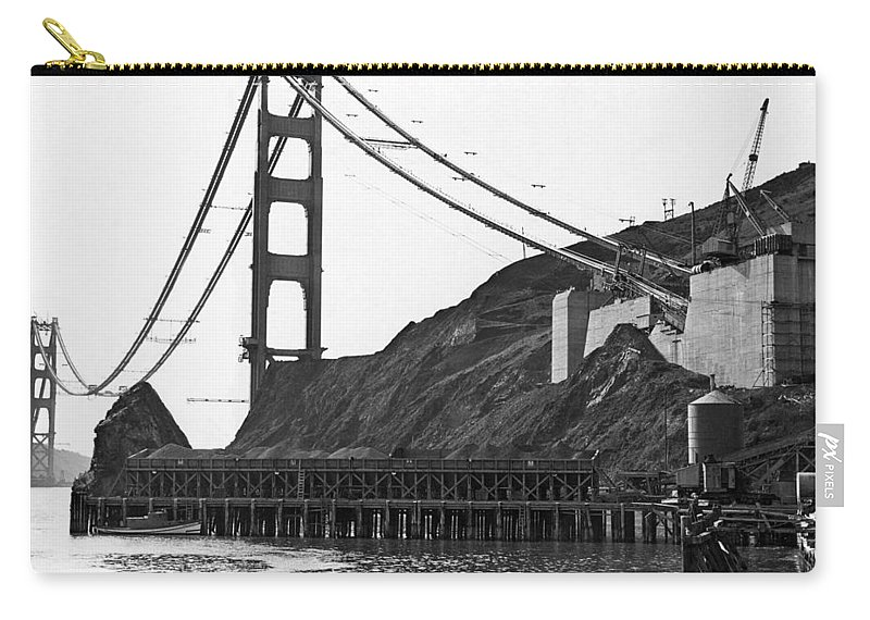 B And W Carry-all Pouch featuring the photograph Golden Gate Bridge Work by Underwood Archives