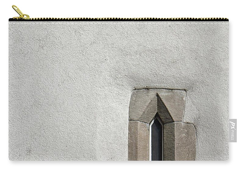 Window Carry-all Pouch featuring the photograph Looking Up by Lauri Novak