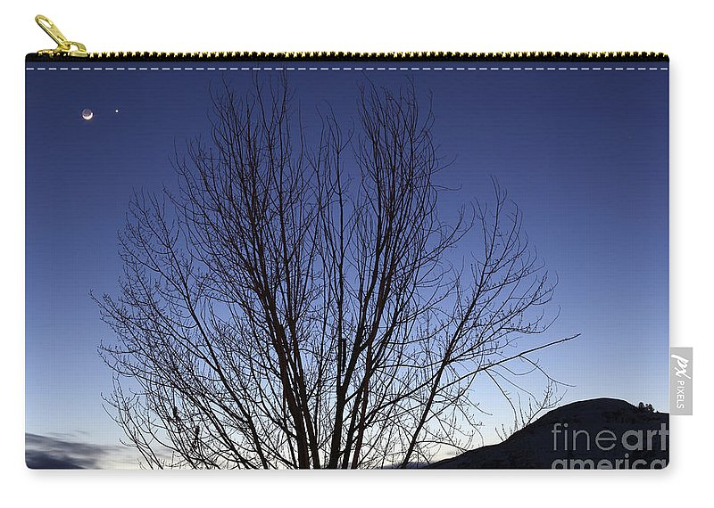 Venus Carry-all Pouch featuring the photograph Moon And Venus Conjunction by Yuichi Takasaka