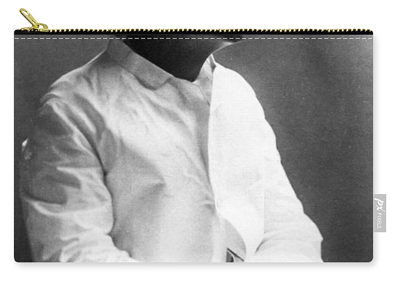 1885 Carry-all Pouch featuring the photograph Samuel Langhorne Clemens by Granger