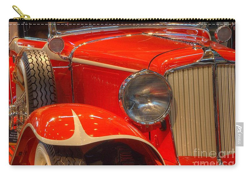1931 Cord Carry-all Pouch featuring the photograph 1931 Cord Automobile by Bob Christopher