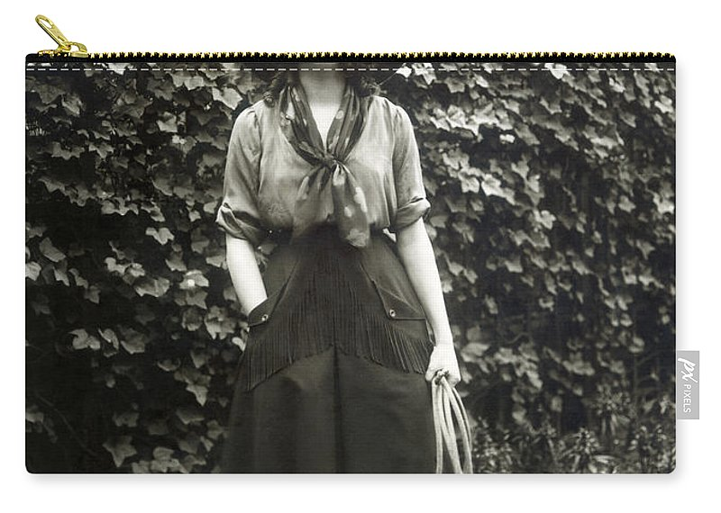 20th Century Carry-all Pouch featuring the photograph Elsie Janis (1889-1956) by Granger