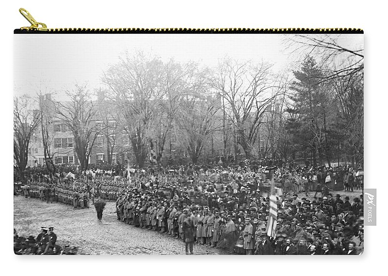 1865 Carry-all Pouch featuring the photograph Lincolns Inauguration by Granger