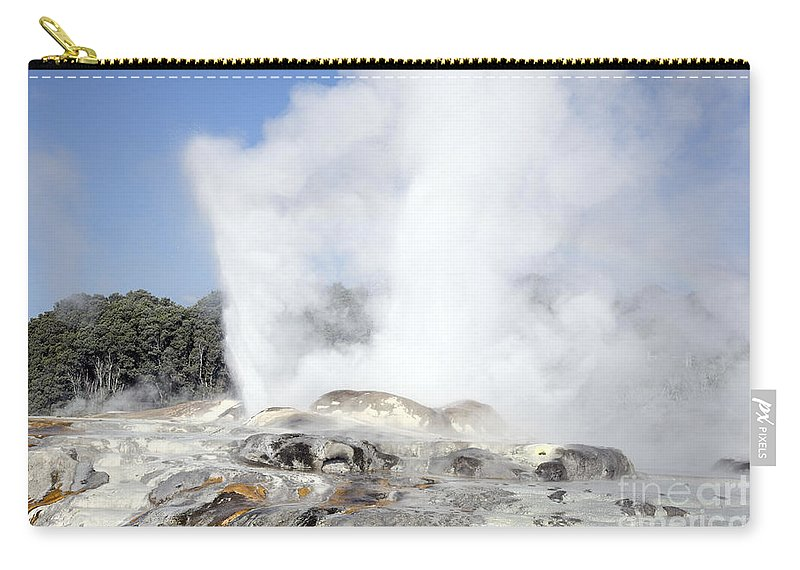 Fountain Carry-all Pouch featuring the photograph Pohutu And Prince Of Wales Feathers by Richard Roscoe