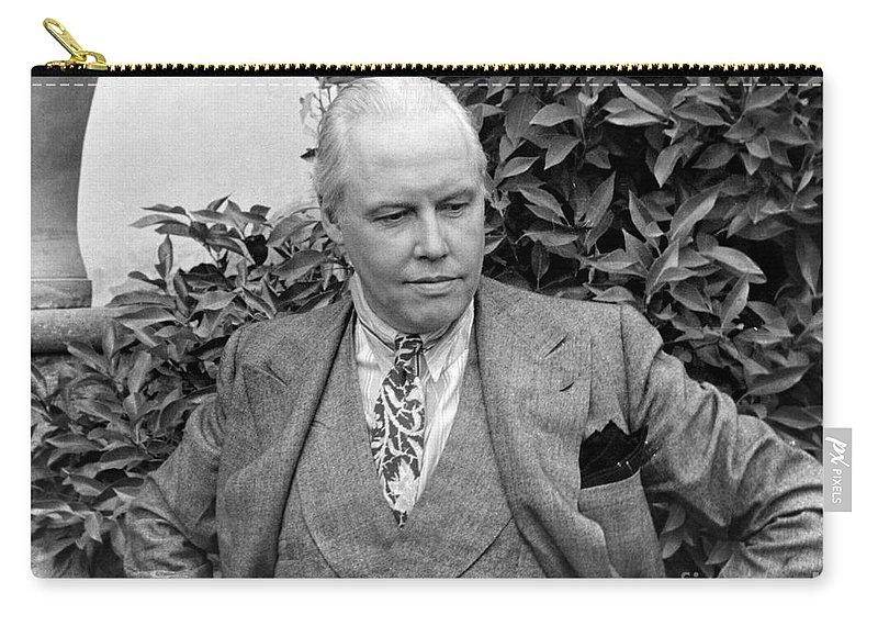 1935 Carry-all Pouch featuring the photograph Carl Van Vechten (1880-1964) by Granger