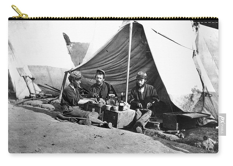 1860s Carry-all Pouch featuring the photograph Civil War: Union Soldiers by Granger