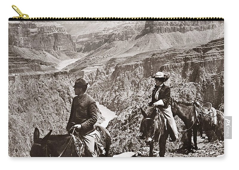 1906 Carry-all Pouch featuring the photograph Grand Canyon: Sightseers by Granger