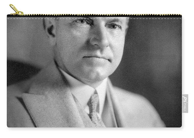 1923 Carry-all Pouch featuring the photograph Calvin Coolidge (1872-1933) by Granger