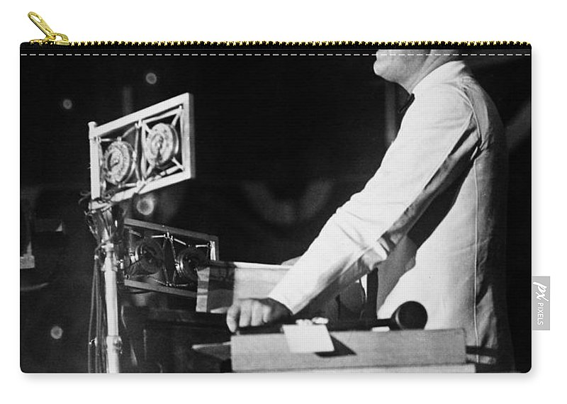 1928 Carry-all Pouch featuring the photograph Franklin D. Roosevelt by Granger