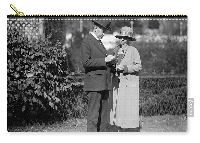 1925 Carry-all Pouch featuring the photograph Calvin Coolidge (1872-1933) by Granger