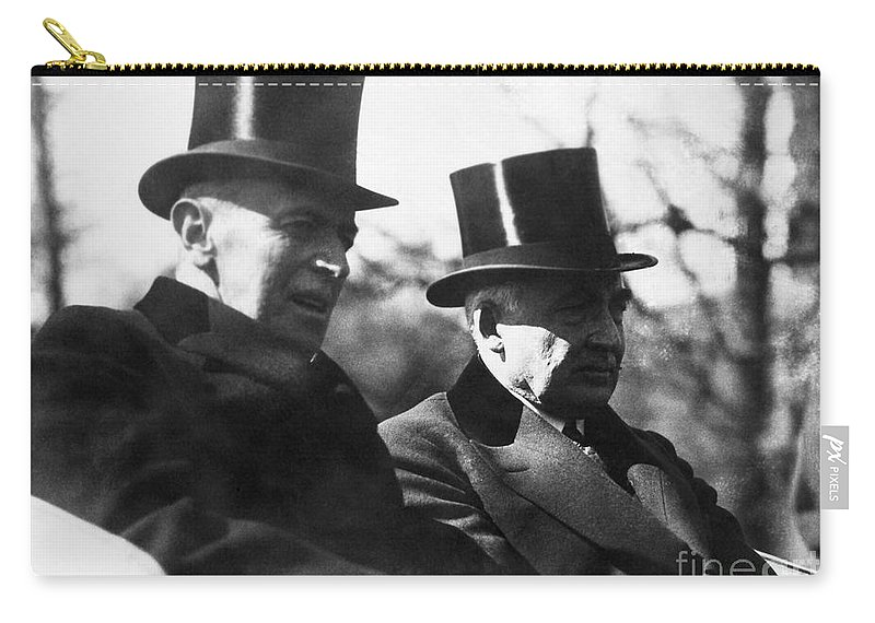 1921 Carry-all Pouch featuring the photograph Woodrow Wilson (1856-1924) by Granger