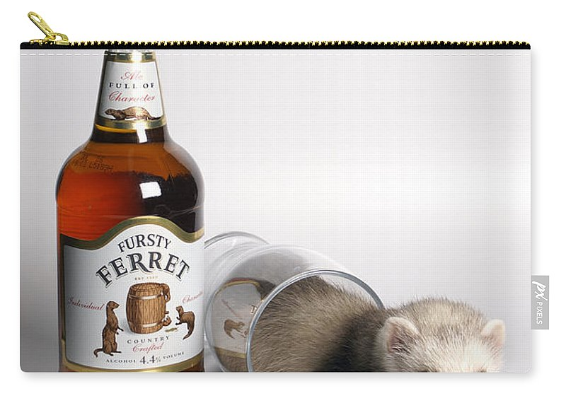 Beer Carry-all Pouch featuring the photograph A Glass Of Fursty Ferret by Howard Kennedy