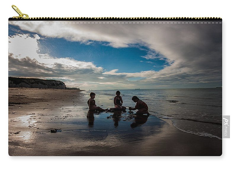 Dawn Oconnor Dawnoconnorphotos@gmail.com Carry-all Pouch featuring the photograph A Perfect Day by Dawn OConnor