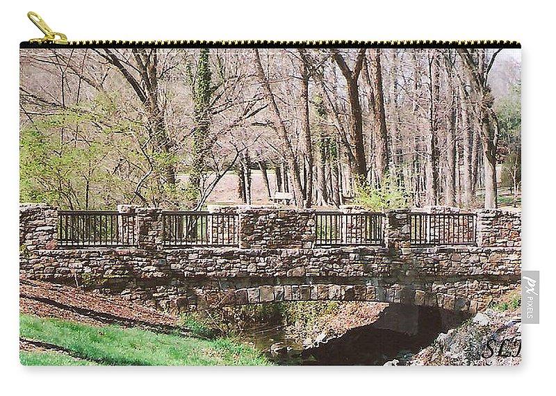 Bridge At Aboratorium Carry-all Pouch featuring the photograph Aboratorium Bridge by Lee Hartsell
