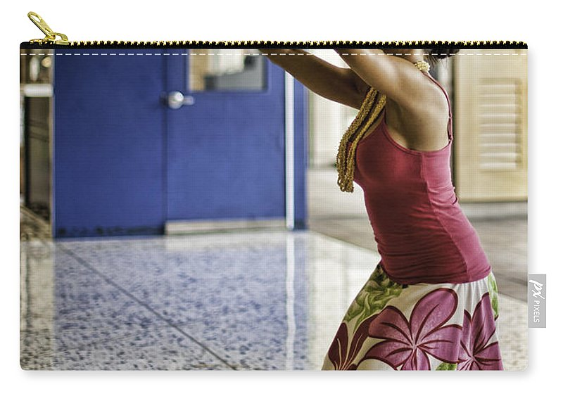 honolulu Airport Carry-all Pouch featuring the photograph Airport Aloha by Dan McManus