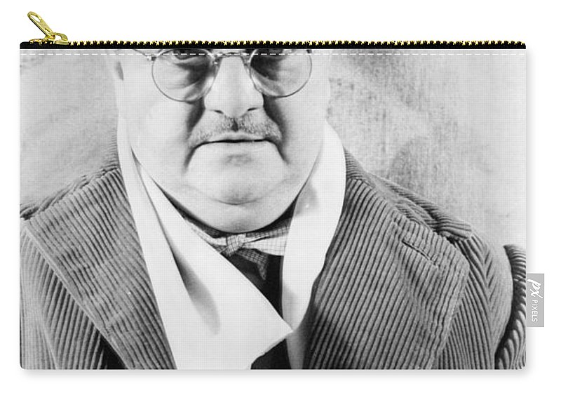 1939 Carry-all Pouch featuring the photograph Alexander Woollcott by Granger