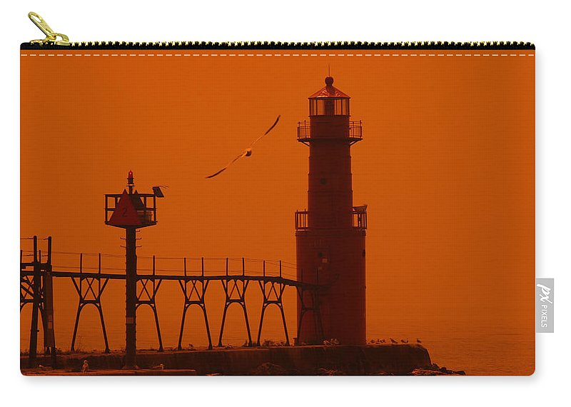 Lighthouse Carry-all Pouch featuring the photograph Algoma Pierhead Wi 16 O by John Brueske