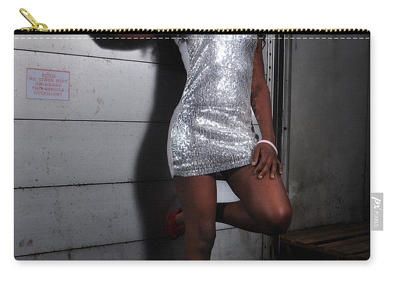 Yhun Suarez Carry-all Pouch featuring the photograph Bel8.0 by Yhun Suarez
