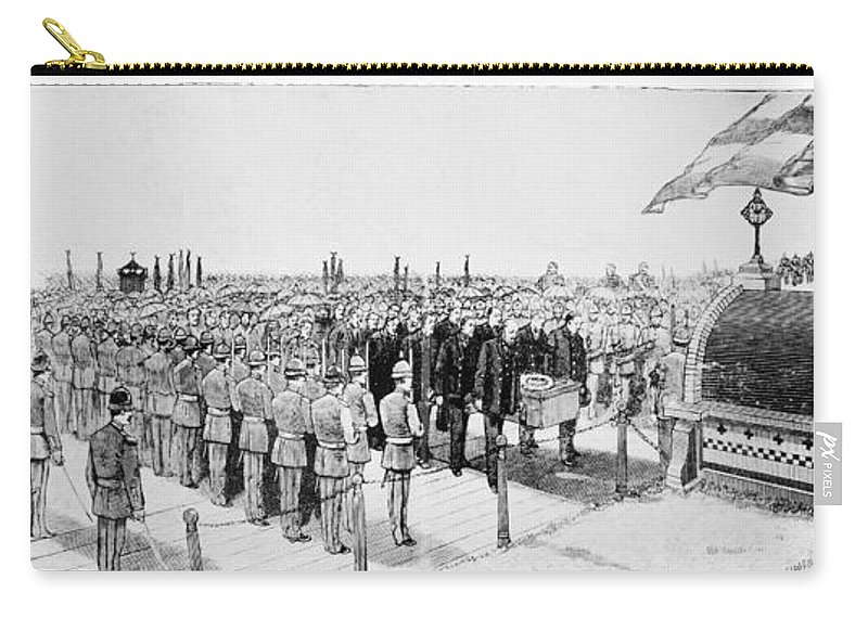 1885 Carry-all Pouch featuring the photograph Burial Of Ulysses S. Grant by Granger
