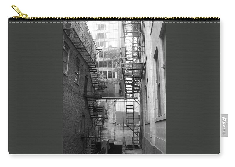 Carry-all Pouch featuring the photograph Chicago 1 by Samantha L