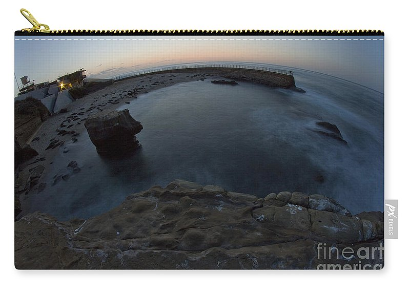 La Jolla Carry-all Pouch featuring the photograph Children's Pool 4 by Daniel Knighton