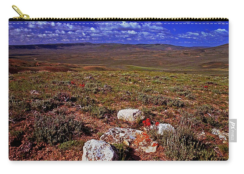 Wyoming Carry-all Pouch featuring the photograph Colorful Valley From Fossil Lake Trail by Rich Walter