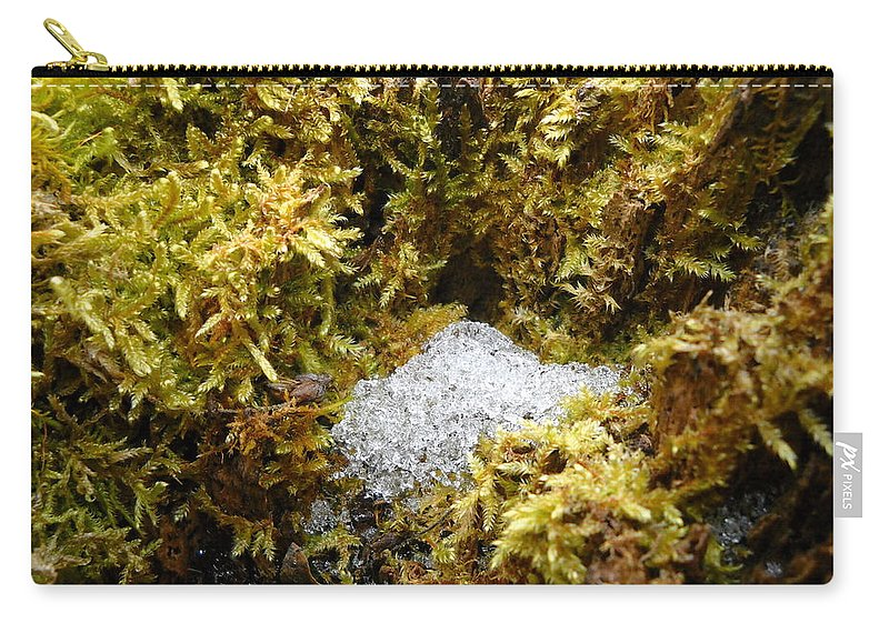 Dragon Nest Carry-all Pouch featuring the photograph Diamonds In A Dragon Nest by Kent Lorentzen
