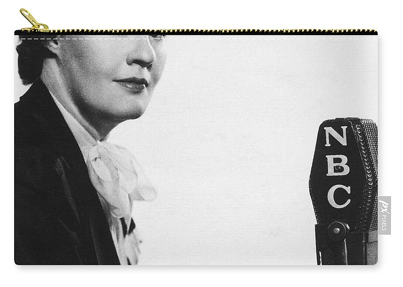 19th Century Carry-all Pouch featuring the photograph Dorothy Thompson by Granger