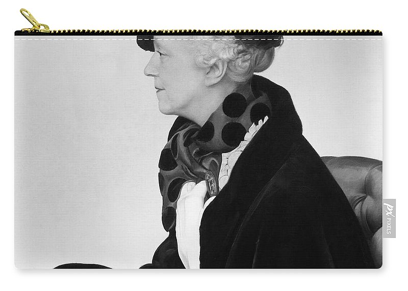1940 Carry-all Pouch featuring the photograph Elsie De Wolfe (1865-1950) by Granger