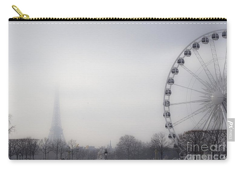 Paris Carry-all Pouch featuring the photograph Fading Away by Victoria Harrington