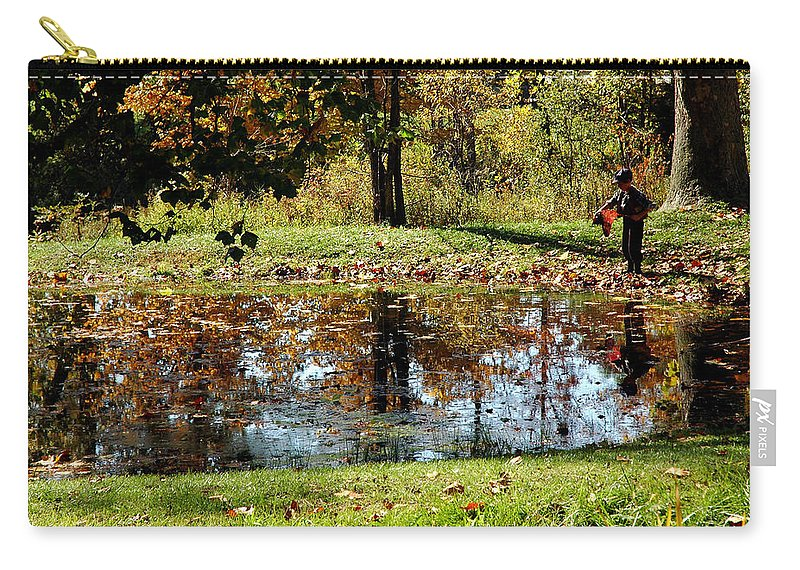 Usa Carry-all Pouch featuring the photograph Fall Frogging Got One by LeeAnn McLaneGoetz McLaneGoetzStudioLLCcom