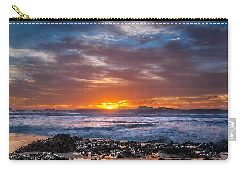 Seascape Carry-all Pouch featuring the photograph Farewell To Autumn Sun by Greg Nyquist
