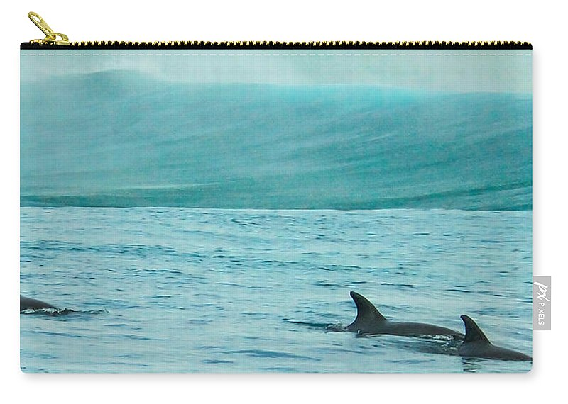 Action Carry-all Pouch featuring the photograph Finspray by Alistair Lyne