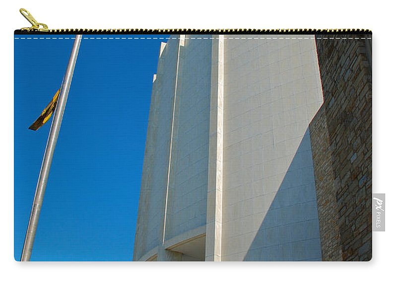 Hershey Pa Carry-all Pouch featuring the photograph Founders Hall by Mark Dodd