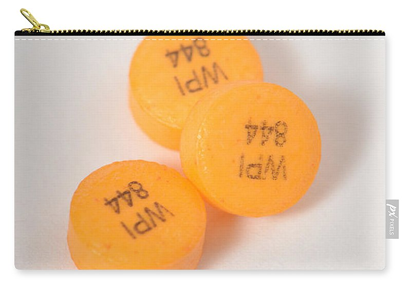 Glipizide Carry-all Pouch featuring the photograph Glipizide, Drug For Type II Diabetes by Photo Researchers, Inc.