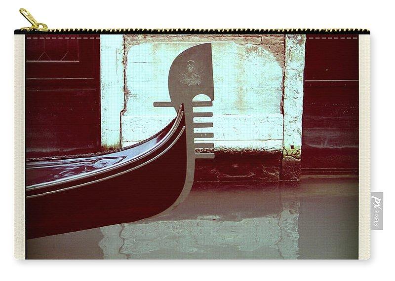 Gondola Italie Venise Italia Venice Europe Tourism Holidays Travel European Italian Touristes Tourist Town Serenisim Destination City Gondola Gondolier Canal Water Venezia Venice Carry-all Pouch featuring the photograph Gondola.venice.italy by Bernard Jaubert