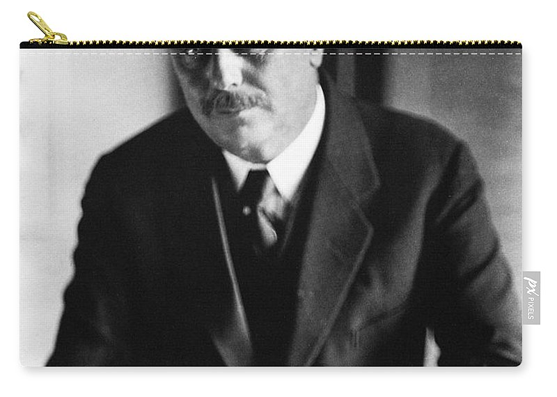 1920s Carry-all Pouch featuring the photograph Herbert George Wells by Granger