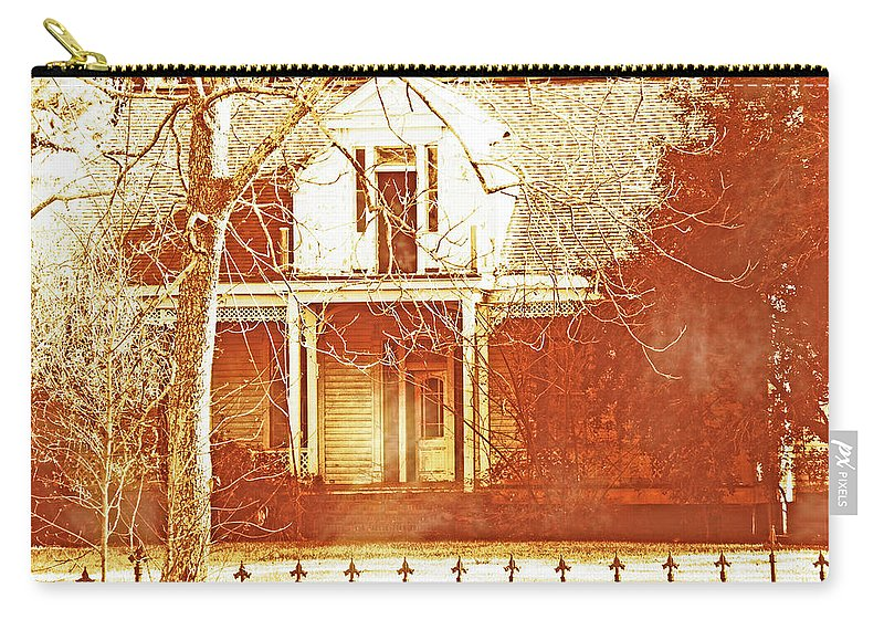 Antebellum Home Carry-all Pouch featuring the digital art Homeplace by Lizi Beard-Ward