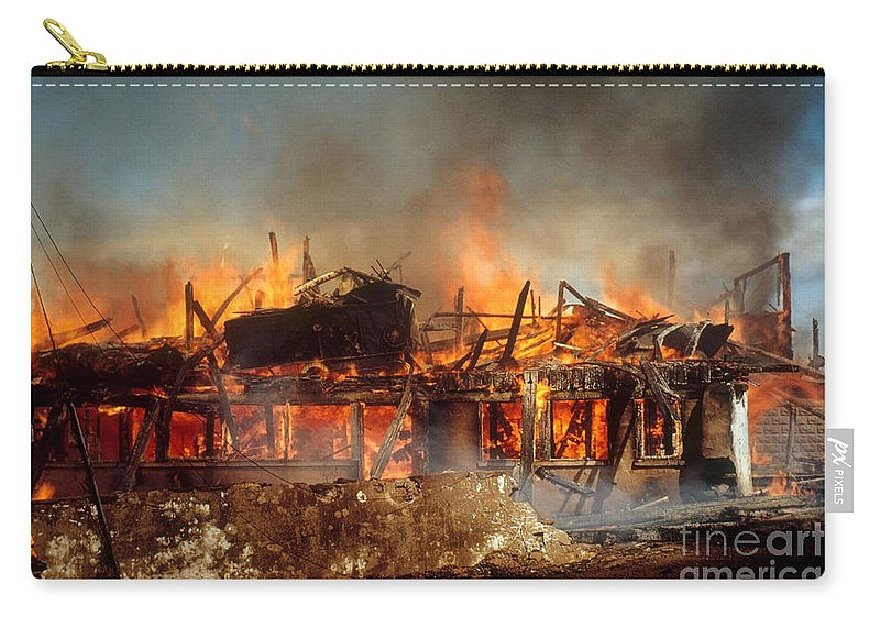 House Fire Carry-all Pouch featuring the photograph House On Fire by Photo Researchers, Inc.