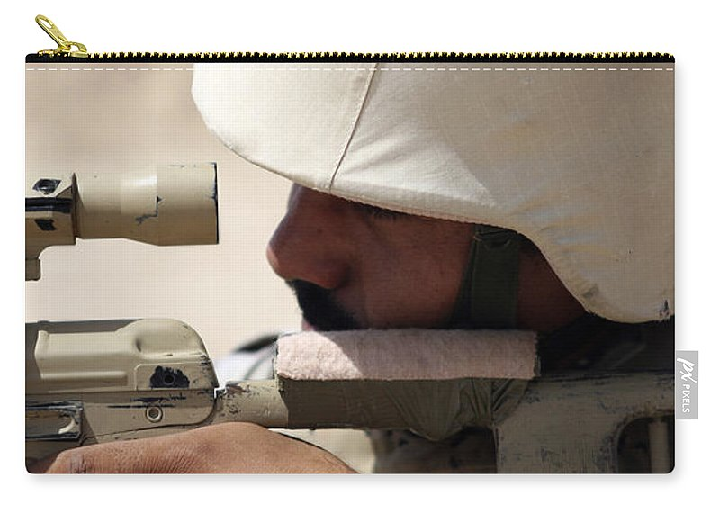 Aiming Carry-all Pouch featuring the photograph Iraqi Army Sergeant Sights by Stocktrek Images