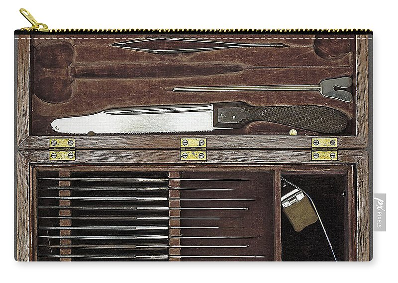 Medical Carry-all Pouch featuring the photograph Lincoln Autopsy Kit, 1865 by Science Source