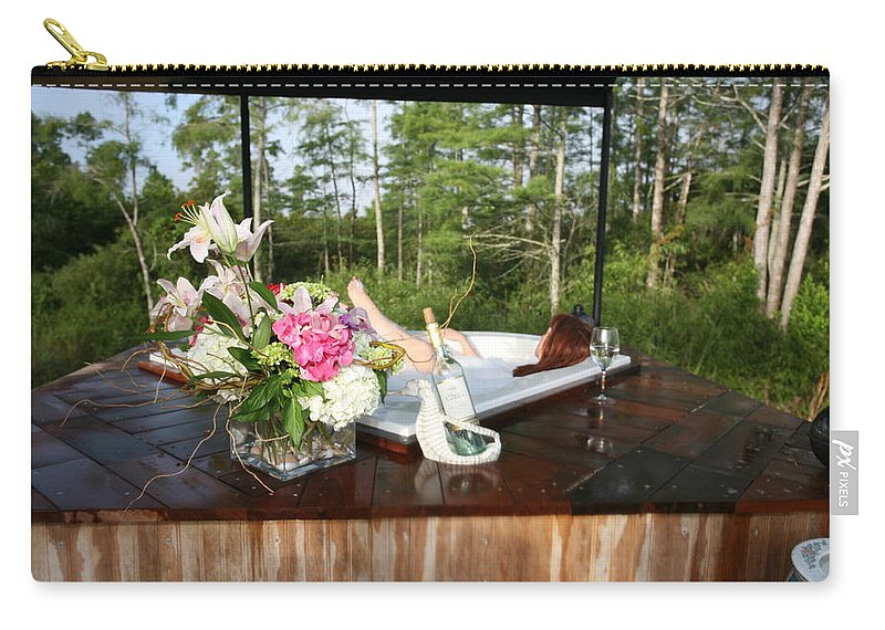 Everglades City Fl Professional Photographer Lucky Cole Carry-all Pouch featuring the photograph Bubble Bath 9222 by Lucky Cole