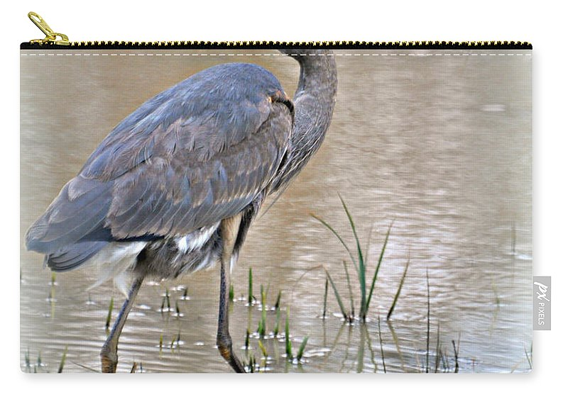 Bird Carry-all Pouch featuring the photograph Mingo Great Blue by Marty Koch