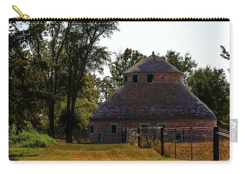 Barns Carry-all Pouch featuring the photograph Old Round Barn by Edward Peterson