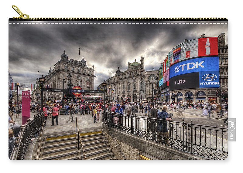 Yhun Suarez Carry-all Pouch featuring the photograph Piccadilly Circus - London by Yhun Suarez