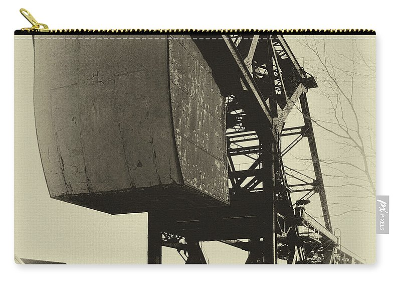 Bridges Carry-all Pouch featuring the photograph Railroad Bridge 10615a by Guy Whiteley
