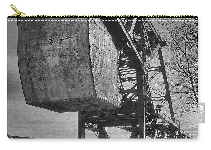 Bridges Carry-all Pouch featuring the photograph Railroad Bridge 10615b by Guy Whiteley