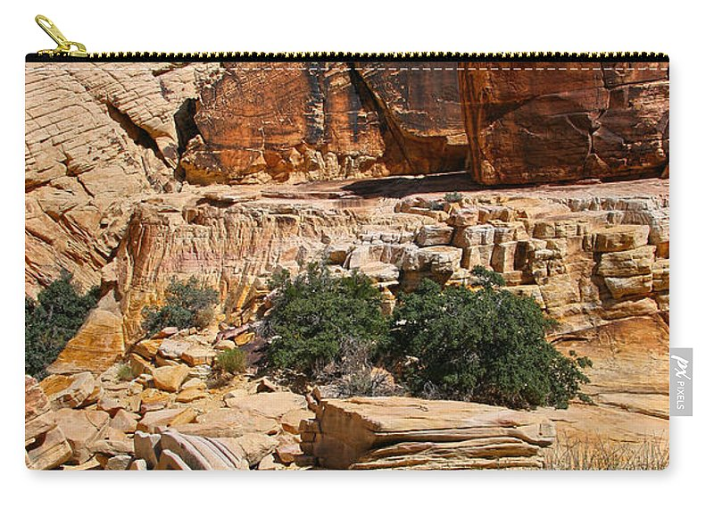 Red Rock Canyon Carry-all Pouch featuring the photograph Red Rock Canyon The Tank by Chris Brannen