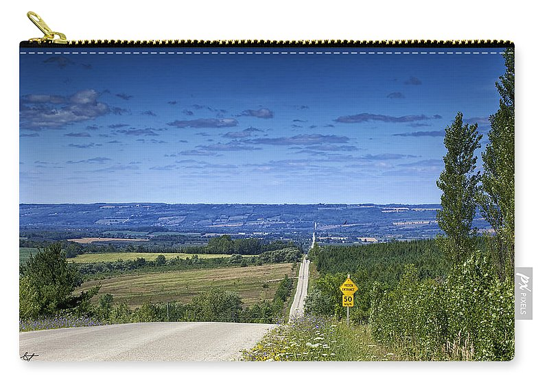 Beaver Valley Carry-all Pouch featuring the photograph Road To The Valley by Phill Doherty