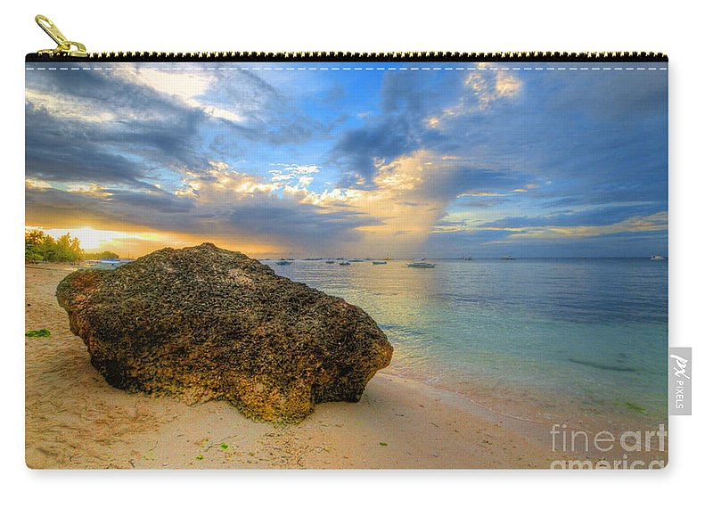 Yhun Suarez Carry-all Pouch featuring the photograph Rock On by Yhun Suarez